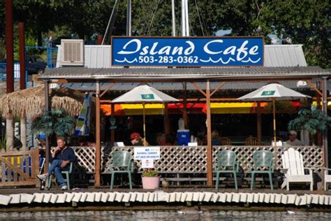 Island Cafe Is The Best Tropical Restaurant In Oregon To
