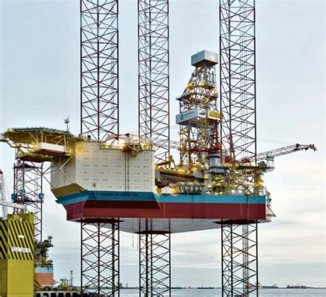 Worker dies after fall from Maersk rig - News for the Oil